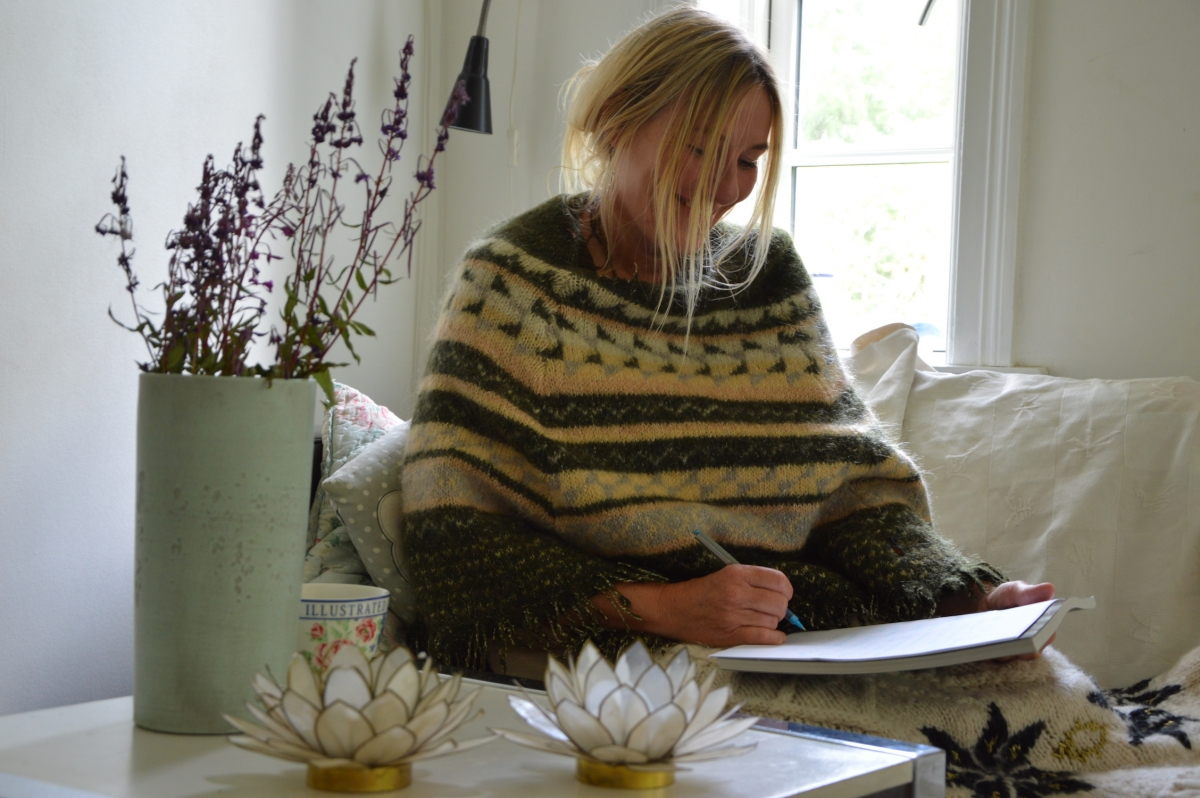 Anne Kamille Ahlefeldt Free-spirited Psychologist & body-oriented psychotherapist MPF